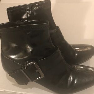 Nickels black heeled boots with silver buckle